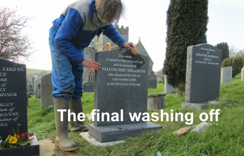 This is how Stonescript memorial stonemasons erect headstones in the